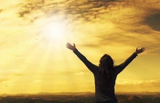 Qui regarde vers le Père resplendira